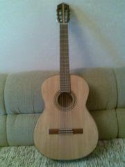 Продам мастеровую классическую гитару
