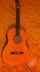 Гитара Maxtone