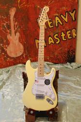 Продам - Электрогитара Fender Stratocaster YJM