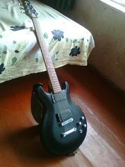 Срочно продам электрогитару Lag Roxane-200 Matt Design (black)