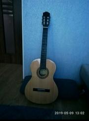 Продам классическую гитара тенсон